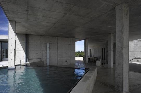 安藤忠雄設計のスリランカのプール