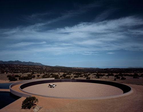 安藤忠雄設計の砂漠の家(トム・フォードの牧場)