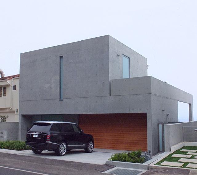 安藤忠雄設計のマリブの住宅