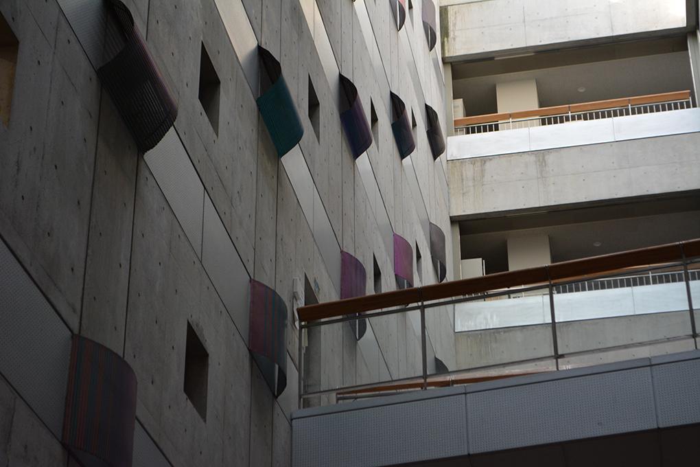 首都大学東京の5号館内観