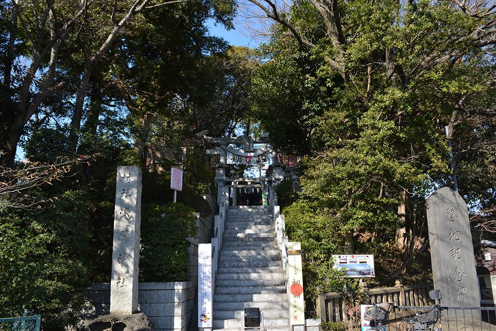 多摩川浅間神社の参道